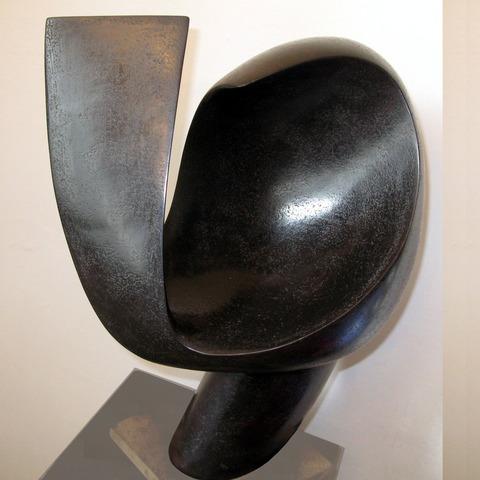 Ⓜ Lyre croisée (profil), faïence patinée à la gomme laque, 2013,  h: 53 L: 38 l: 29